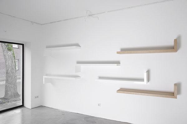 Zwevende plank wandplank op maat. Design Henk Vos